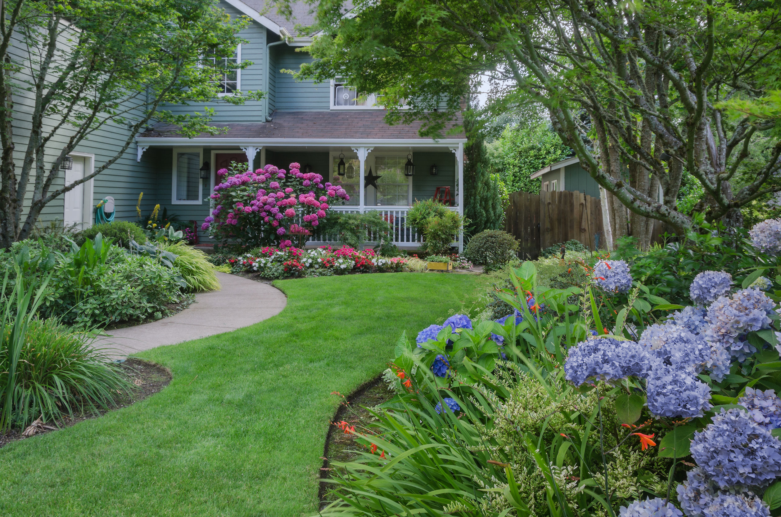 landscaping newtown ct